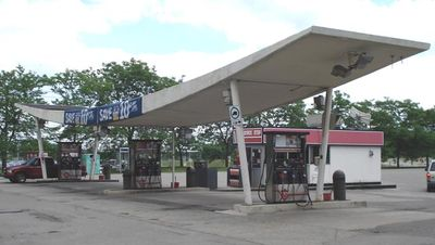 MISSISSAUGA GAS BAR/CONVENIENCE STORE FOR SALE