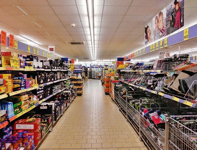 GROCERY STORE WITH LCBO, BEER STORE & 2 APARTMENTS FOR SALE--