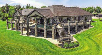 COUNTRY ESTATE FOR SALE IN  KITCHENER WEST