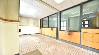 RETAIL AND OFFICE UNIT FOR RENT IN MILTON