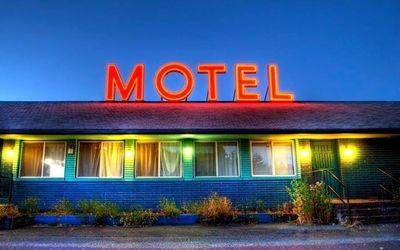 21 ROOMS MOTEL AND 3 BEDROOM HOUSE FOR SALE