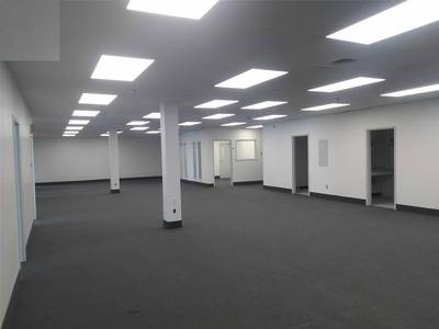 INDUSTRIAL FACILTY WITH OUTSIDE STORAGE SPACE FOR LEASE