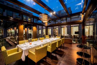 FINE DINNING RESTAURANT FOR SALE IN OAKVILLE