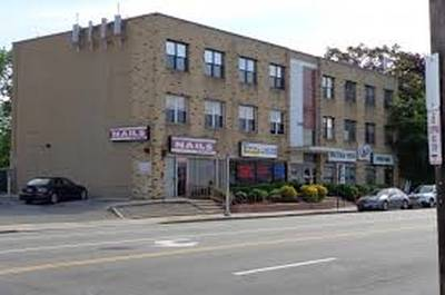 EXCLUSIVE BUILDING WITH COMMERCIAL AND RESIDENTIAL UNITS FOR SALE
