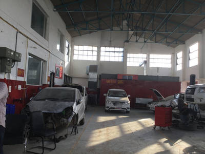5 BAY BUILDING FOR AUTO REPAIR/ TRUCK REPAIR OR BODYWORK FOR SALE IN BRAMPTON