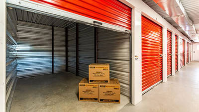 SELF STORAGE FOR SALE 1,5 hour from Toronto
