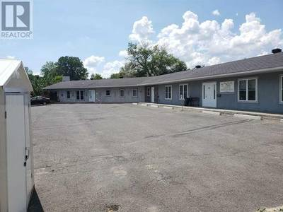 Commercial Building for Sale in Ingleside