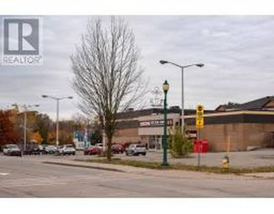 1.6 ACRE Mixed Use Commercial Building - 260 Kings St.