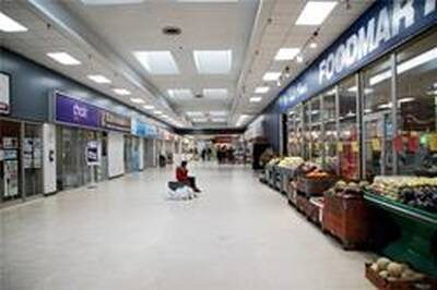 Great Location Shopping Mall Retail Units for Lease in Mississauga, ON