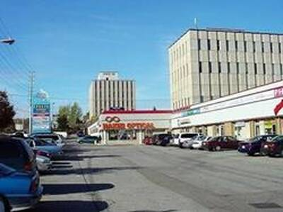 Easily Accessible Busy Retail Mall Unit for Lease in Mississauga, ON