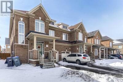 4 Bedroom / 3 Washroom Beautiful TownHouse for sale in Brampton