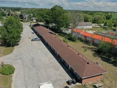 Established Motel with Retail Spaces for Sale in Wasaga, ON