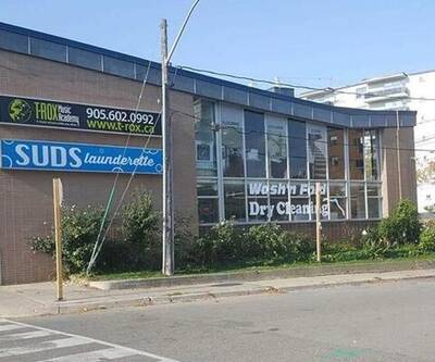 RETAIL SPACE FOR LEASE IN MISSISSAUGA--