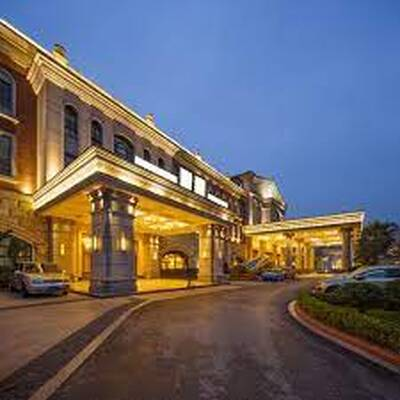 BRANDED HOTEL FOR SALE MISSISSAUGA/TORONTO