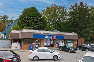 Standalone Mac's Convenience Store for Lease in Port Stanley, ON