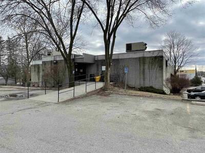 Professional/ Medical Office Space for Lease - Park St. Brockville #101