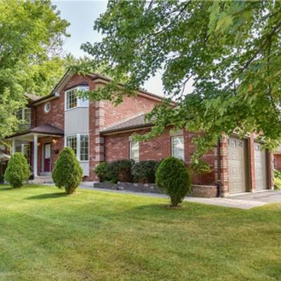 Well Maintained 2 Storey House for Sale in Orillia