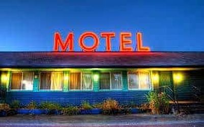 16 ROOMS MOTEL & 3 BEDROOM HOUSE FOR SALE