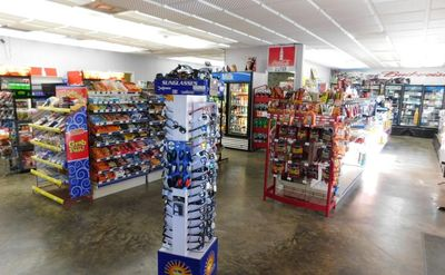 CONVENIENCE STORE AND APARTMENT FOR SALE IN NIAGARA